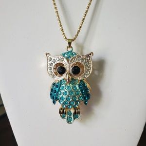 """Betsey Johnson Owl pendent necklace 28"""" chain"""
